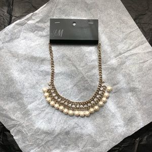 H&M Pearl/Rhinestone Gold Statement Necklace